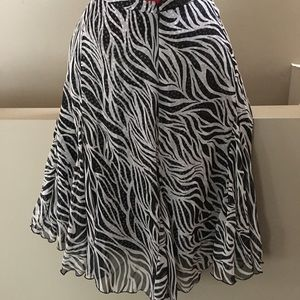 Sassy sheer lined skirt. Nygard size 12.